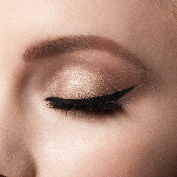 Latino eyeliner